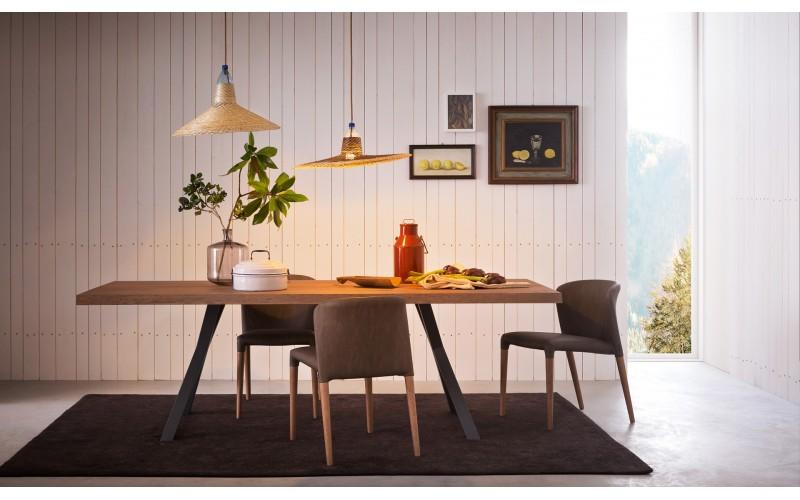 Itališkas valgomojo stalas Board