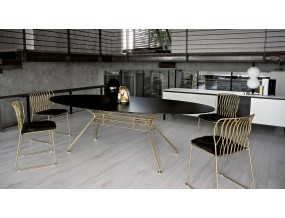 Ovalus valgomojo stalas Sander