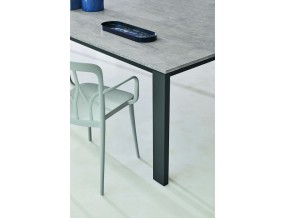 Valgomojo stalas Tom