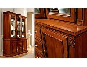 Treviso vitrininė trijų durų indauja su stalčiais