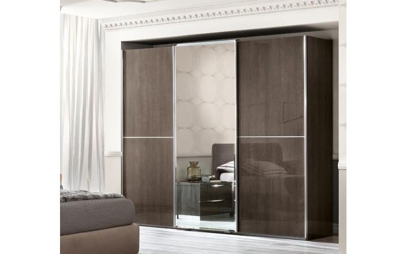 Spinta Platinum 3 stumdomų durų (su veidrodžiu)