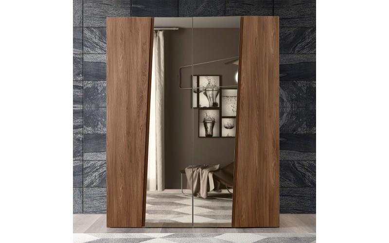 Storm Spinta 4 durų (su veidrodžiu)