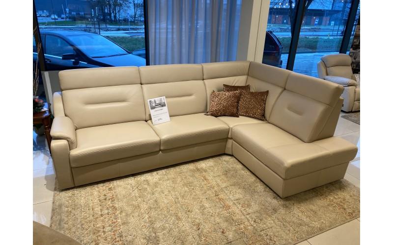 Natūralios odos kampinė sofa su miegama dalimi Papavero-ekspozicinė